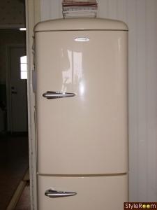 Ett kylskåp från förr - inget minikylskåp direkt.